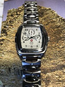 Montre Swiss Army argent