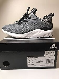 Adidas Alphabounce - Youth Size 4/Women's 6