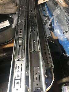 Ball bearings slides