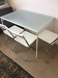 FREE table and 3 chairs Edgecliff Eastern Suburbs Preview