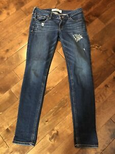 Hollister low rise girls jeans size 27. Like new