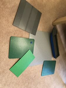LEGO flat building pieces