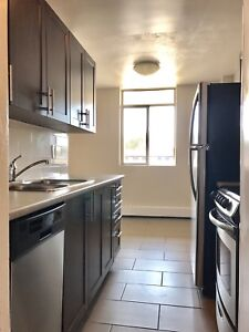 Modern Newly Renovated 2 bed (Private end unit!)