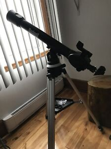 Bushnell Voyager with Sky Tour Refractor Telescope