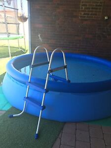 12 Foot pool with ladder & working filter Ferndale Canning Area Preview