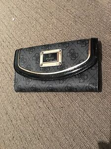 Guess handbag & matching wallet Woolloomooloo Inner Sydney Preview