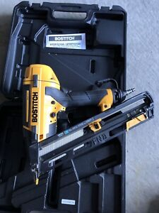 Bostitch 15-Gauge Smart Point® FN-Style Angled Finish Nailer Kit