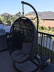 Swinging Egg chair