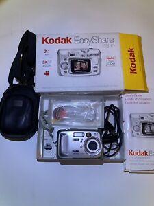 Kodak Digital Camera (w/Case)