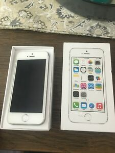 Mint condition white iPhone 5s