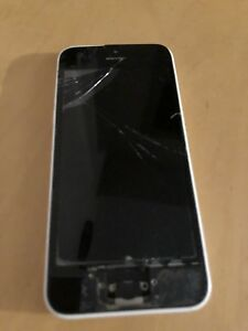 Galaxy S (battery needed) /// iPhone 5c (broken screen)