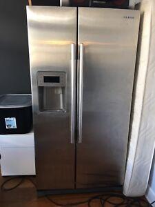 Refrigerateur samsung pour pieces seulement