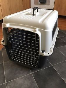 Pet Carrier dog crate - TFSA approved. Barely used.