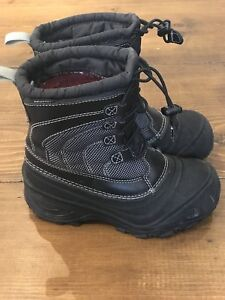 Kids NorthFace Thermal Insulated Boots Size 13