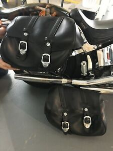 Harley Davidson Softail classic Saddle Bags like new