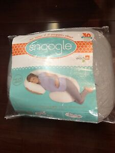 Snoogle Chic Jersey Pregnancy Pillow