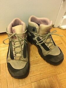 Hiking shoes Size 7.5
