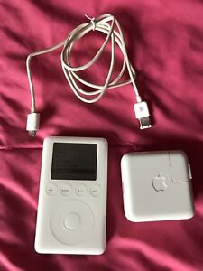 Apple iPod 3rd Generation (Dock Connector) + Accessories!