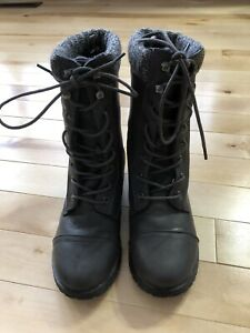 Woman's winter boots  size 6