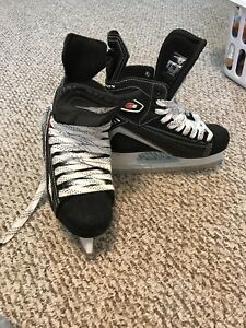 Mint condition Hockey Skates for Kids