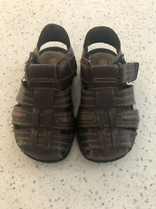 Toddler Boys Sandals (size 6)