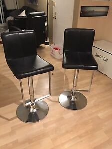 2 Leather/Stainless Steel Bar Stools with Foot Rest - Mint Con