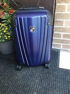 New cobalt blue dual luggage by Heys