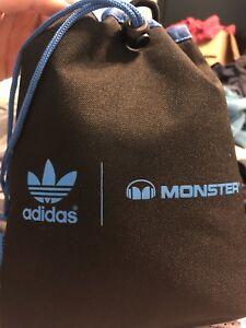 Monster adidas over ear (like new)