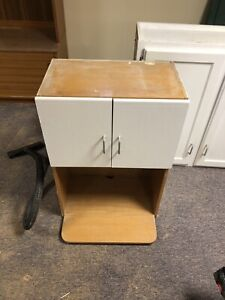 Upper Cabinet with Shelf