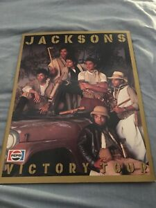 JACKSONS Victory Tour Book