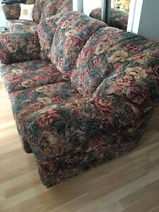 Causeuse/ Divan-sofa 2 places/ Love seat/ 2 seater sofa couch