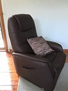 Lazyboy New Recliner Lift Chair New Lambton Newcastle Area Preview