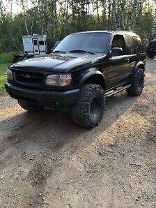 1999 Ford Explorer sport Lifted