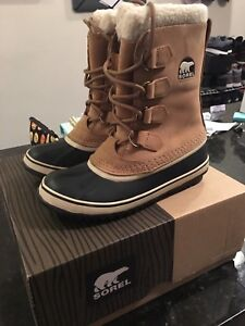 Sorel Women's Winter Boots (Pick up only)