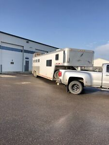 Featherlight horse trailer with living quarters