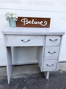 GORGEOUS Desk with 3 drawers- 85$