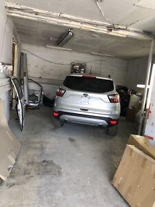ONE BODYSHOP FOR LEASE $1700 ONE CAR GARAGE