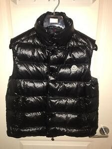 Moncler Black Tib Vest in size Large
