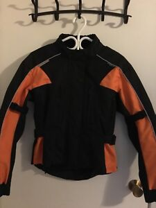 Women's riding jacket size extra small-Harley Davidson colours!