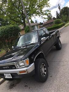 Mint condition Toyota pickup truck 1989