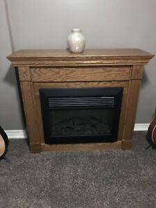 Electric fire place with remote.