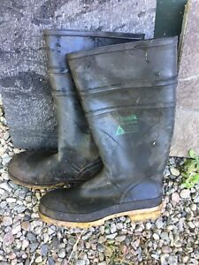 STEEL TOE safety rubber boot, size 10, Kamik Industrial