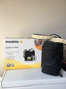 Medela pump in style double breast pump PLUS tons of extras