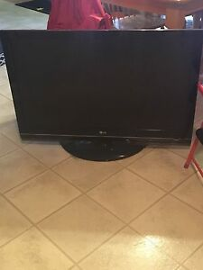 "42"" LG tv about 4 years okd"