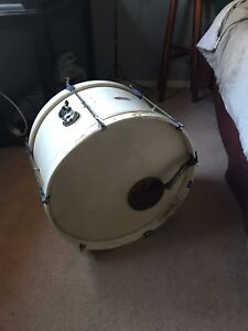 Vintage Bass Drum. Calf-heads, fine players shape.