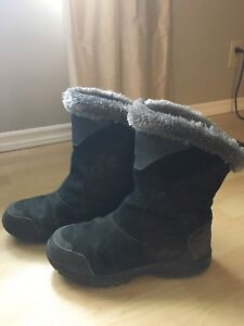 Columbia winter boots,