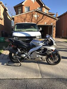 Mint Condition 2004 Yamaha yzf600