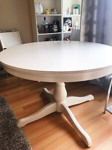 White Round Table - Extendable, with Four Matching Chairs