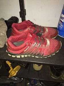 Size 9 men's running shoes