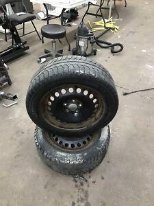 2 roues d'hiver, avec pneu Michelin X-Ice 205/55 R16